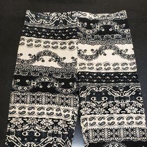 Deb Pants - NEW! Black Paisley Print Leggings